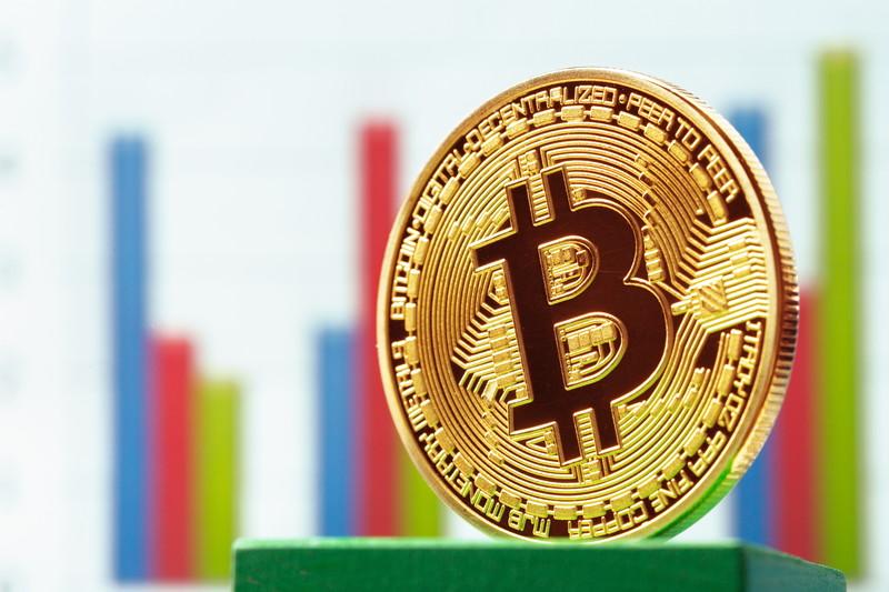 高騰するビットコイン